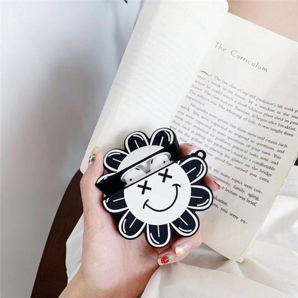 Ốp Airpods hoa kaikai kiki đen-PK406